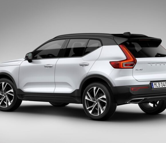 Volvo_XC40_5.jpg