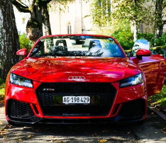 Audi TT RS Roadster – Robin macht Gotham City alleine klar